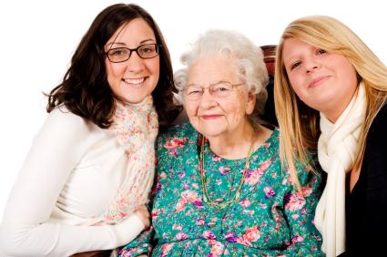 Senioren und Studenten in WG - Wohngemeinschaft